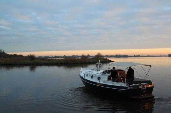 RiverCruise 31 Cabrio - Motorboot huren in Friesland - Ottenhome Heeg 1
