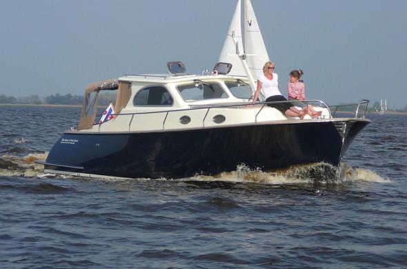 RiverCruise 35 Cabin Launch