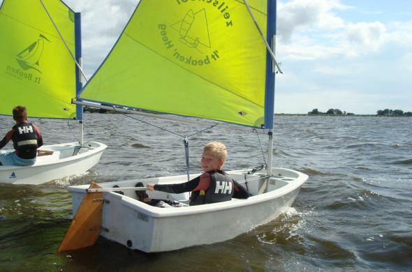 Optimist - zeilboot huren in Friesland - Ottenhome Heeg