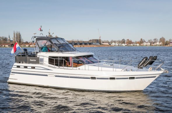 Luxe motorboot huren in Friesland - Ottenhome Heeg