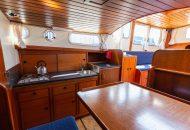 Foto van dinette en keuken in de Valkkuiser - Ottenhome Heeg