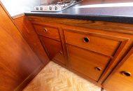Keukenkastjes in de Valkkruiser motorboot