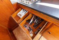 Besteklades met bestek erin - Valkkruiser motorboot