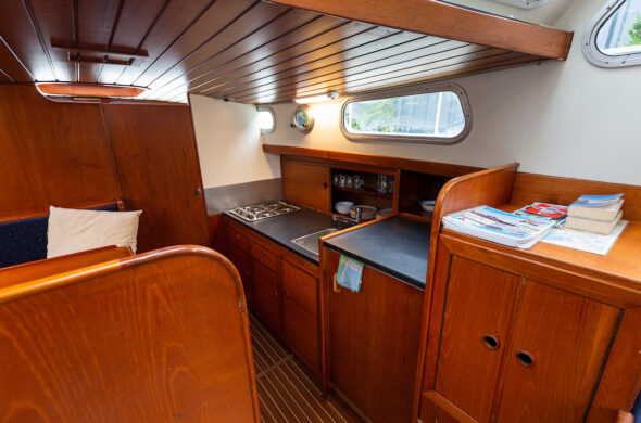 Valkkruiser - Motorboot huren in Friesland - Ottenhome Heeg