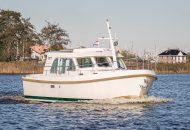 Linssen Grand Sturdy motorboot vaart door het kanaal